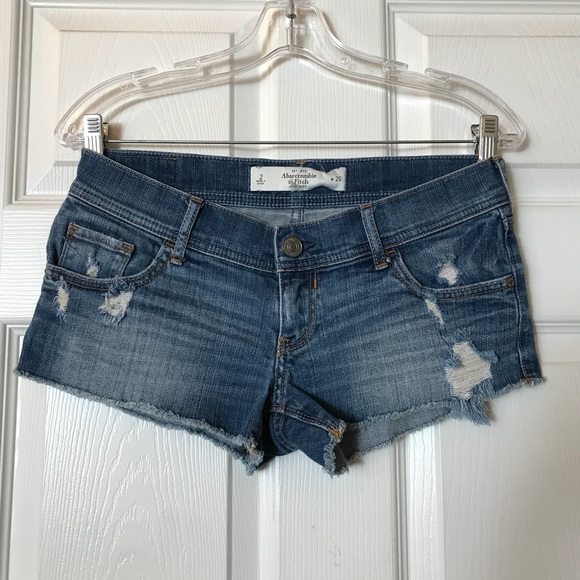 Abercrombie & Fitch Pants - Abercrombie & Fitch Low-Rise Shorts